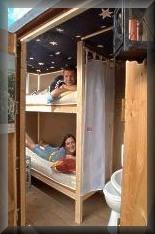Schlafen im Koffer